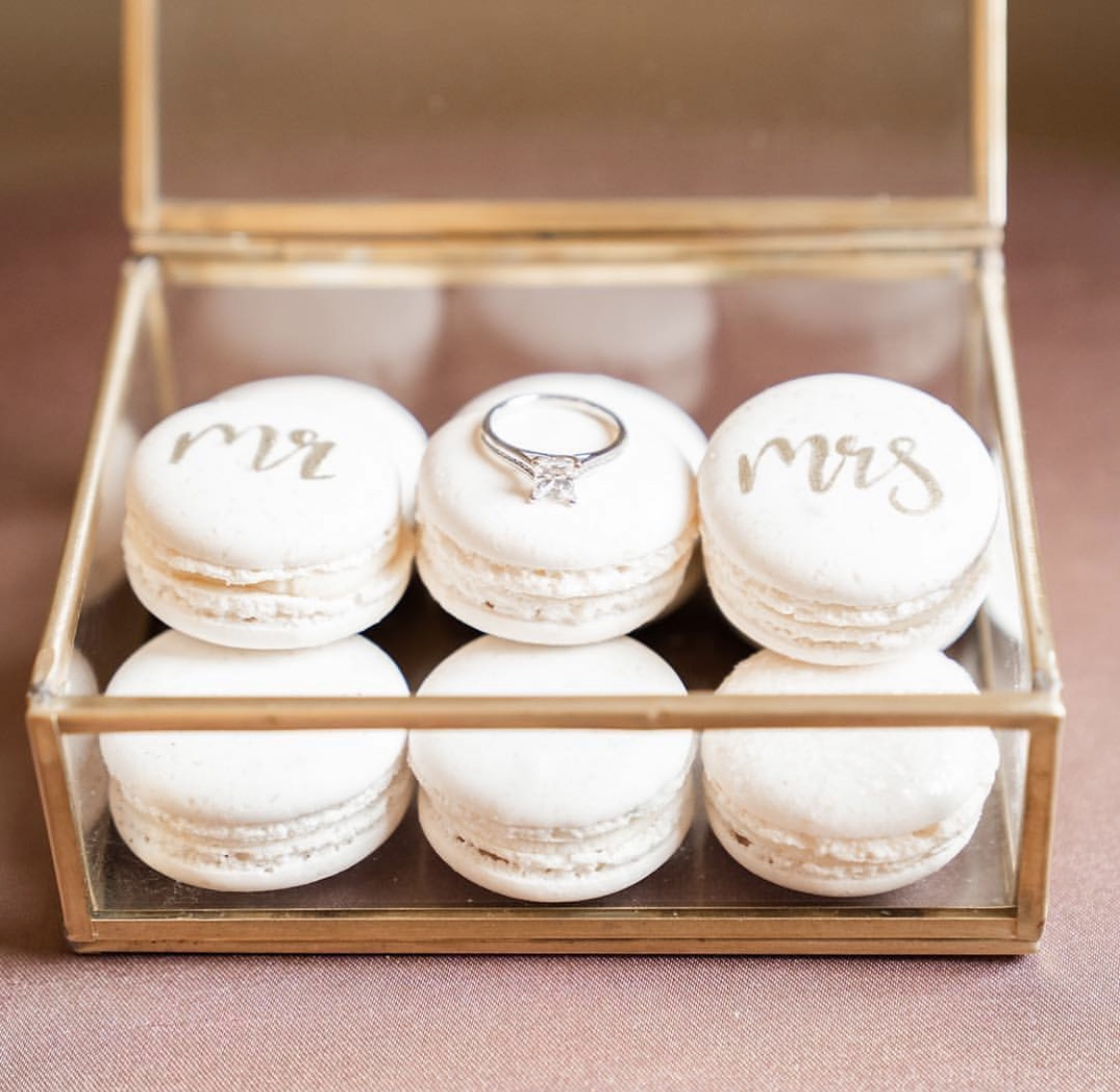 Mr and mrs macarons